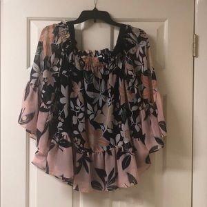 LOFT top with flutter sleeves, size M